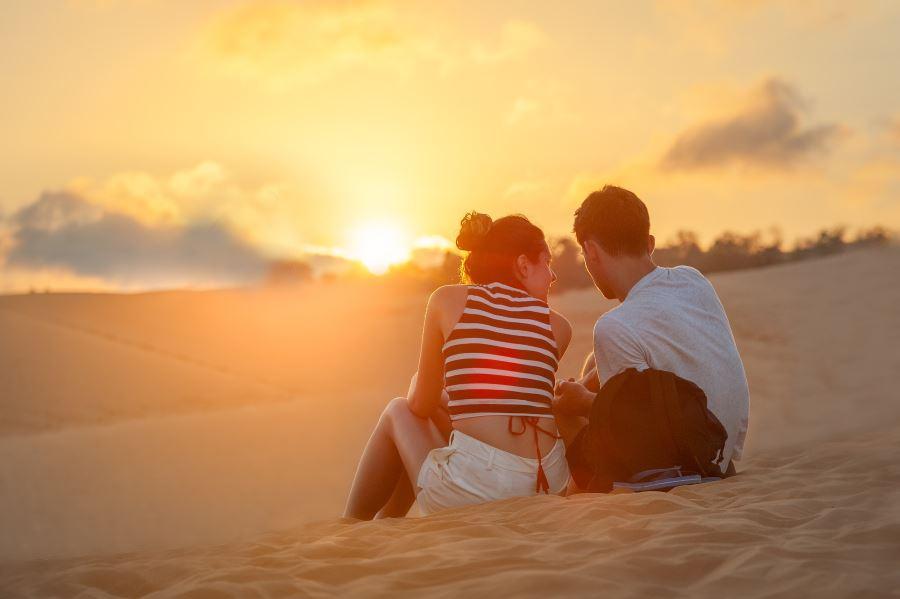 Cohabitation - couple on beach
